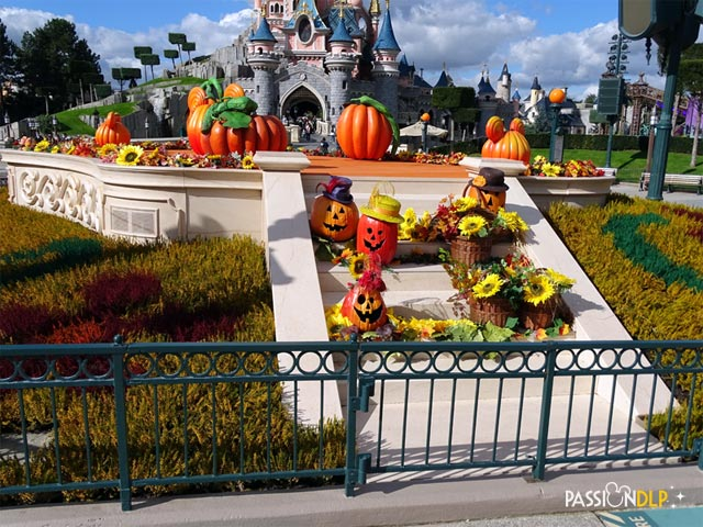 halloween central plaza